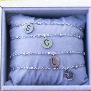 Letter armbandje zilver