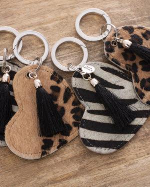 madhura bags tassenhanger hart dieren prints met kwastje